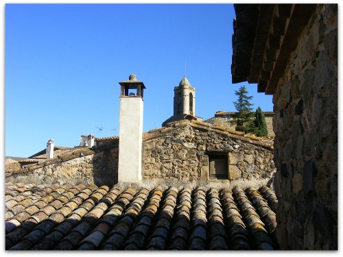 Dali Triangle Catalonia Exclusive Property